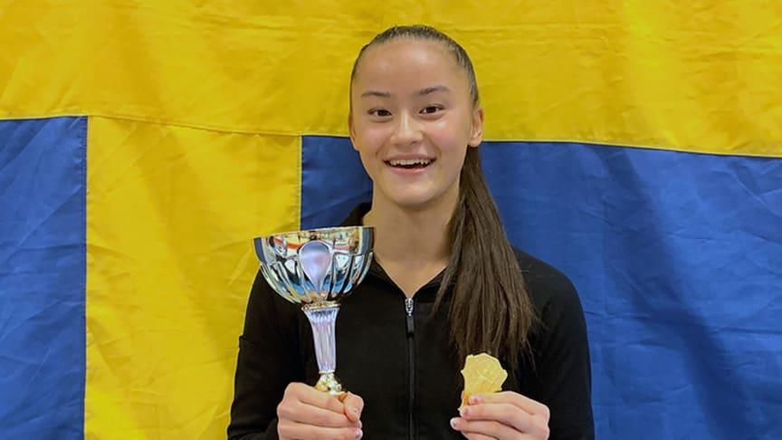 Tonya Paulsson tog SM-guld i kvinnlig artistisk gymnastik