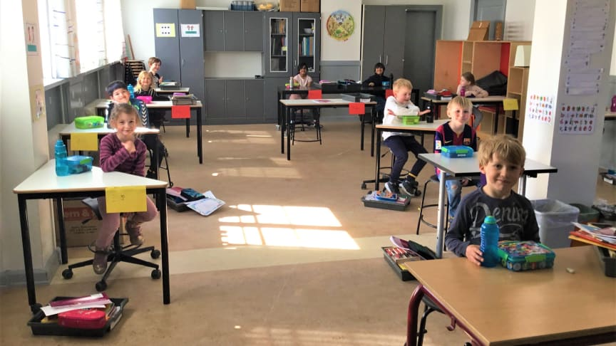 En klasse på Kirstine Seligmanns Skole - en privatskole i Vejle - efter genåbning d. 15. april
