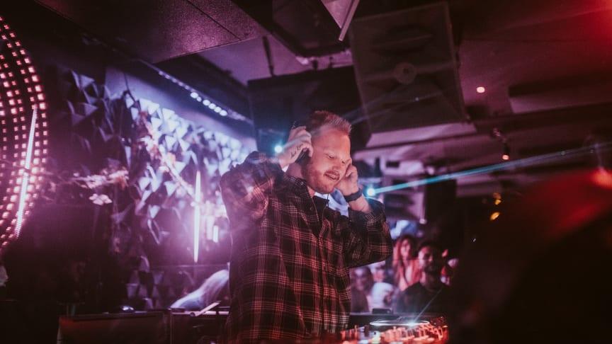 CAZZETTE är tillbaka med nya euforiska singeln 'A Day To Sing About'!