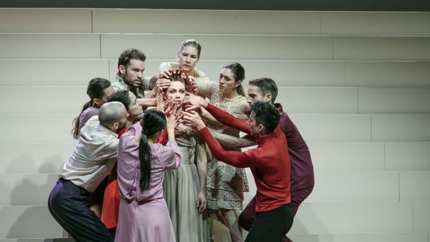 Bild från årets stora succé Mozarts Requiem i koreografi av Örjan Andersson, som spelade sin sista föreställning på Malmö Opera 15 dec 2019.