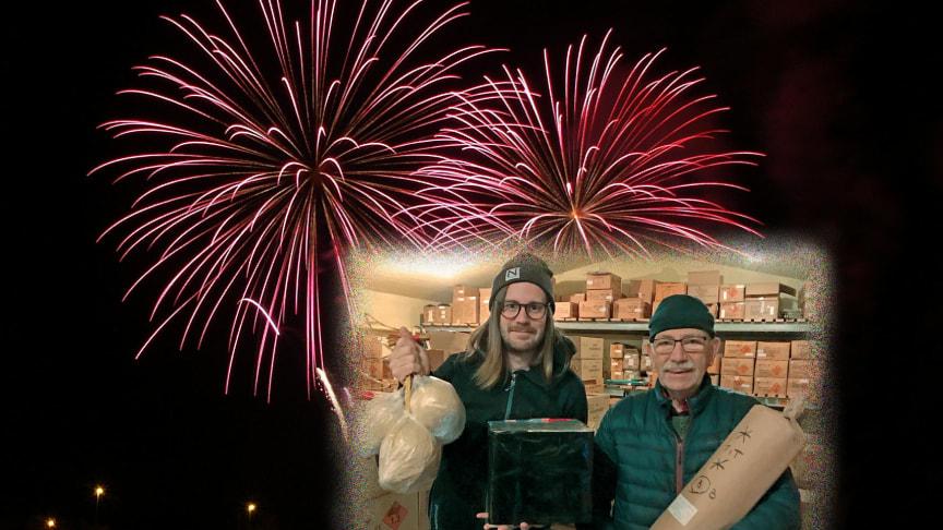 Kristoffer  och Eje Berglund bjuder Gävleborna på Nyårsfyrverkeri
