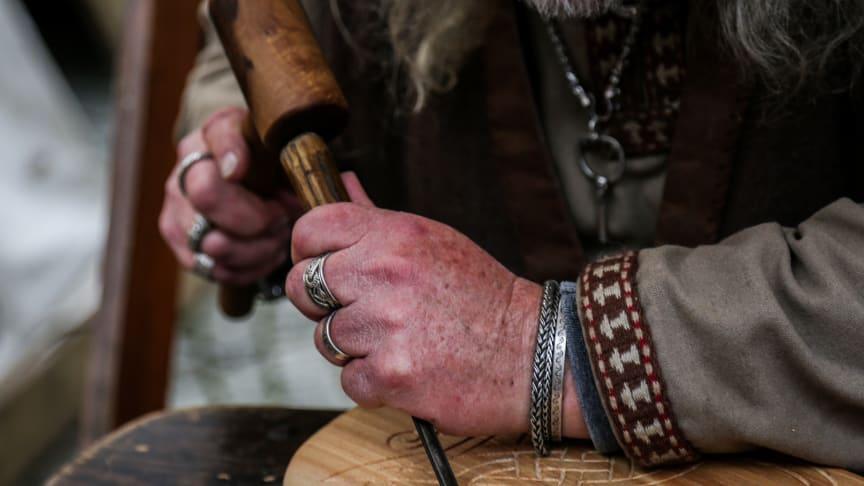 Skandinavische Handwerkskunst, besondere Schmuckstücke und nordische Spezialitäten werden bei den Skandinavientagen in der Kieler Innenstadt angeboten.