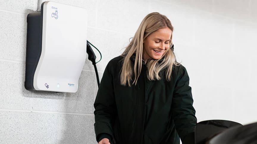 BlueTec og Schneider Electric har levert et fremtidsrettet ladeanlegg for elbil, på Bærums Verk