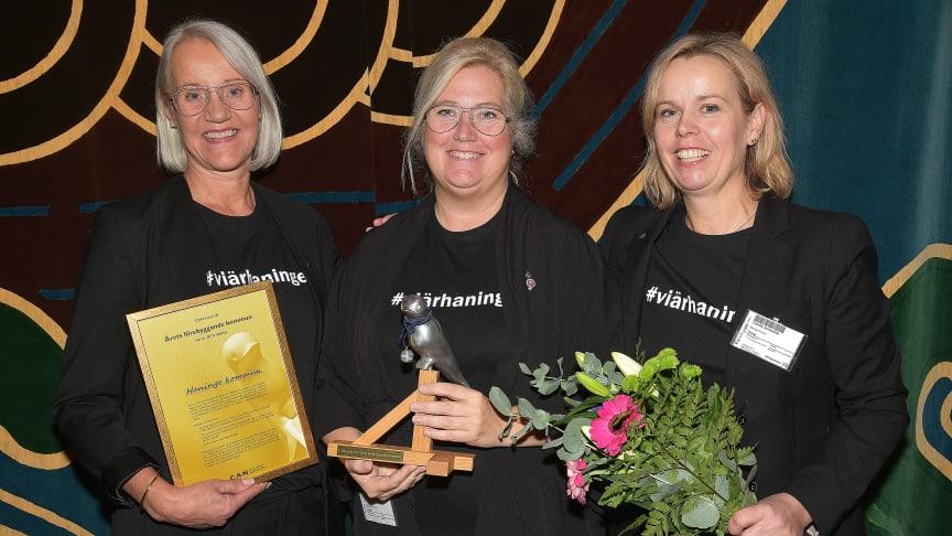 Fotograf: Per-Olof Svensson. På bilden ses Inger Dahlberg, Annett Haaf (S) och Camilla Johansson