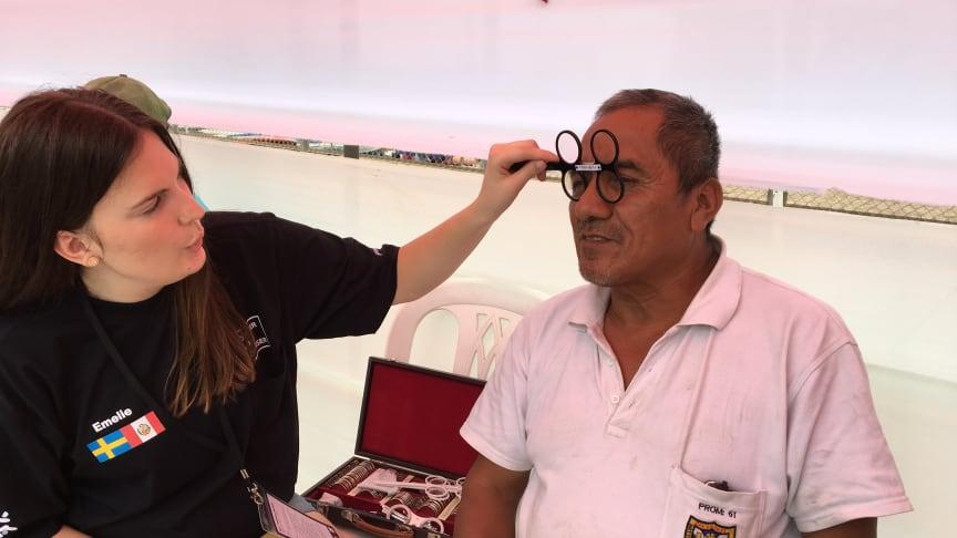 Optiker Utan Gränser siktar på insamlingsrekord – 100 000 glasögon till behövande ska samlas in till tionde resan