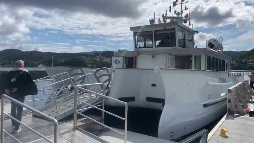 Sniktitt på båten Ole Bull