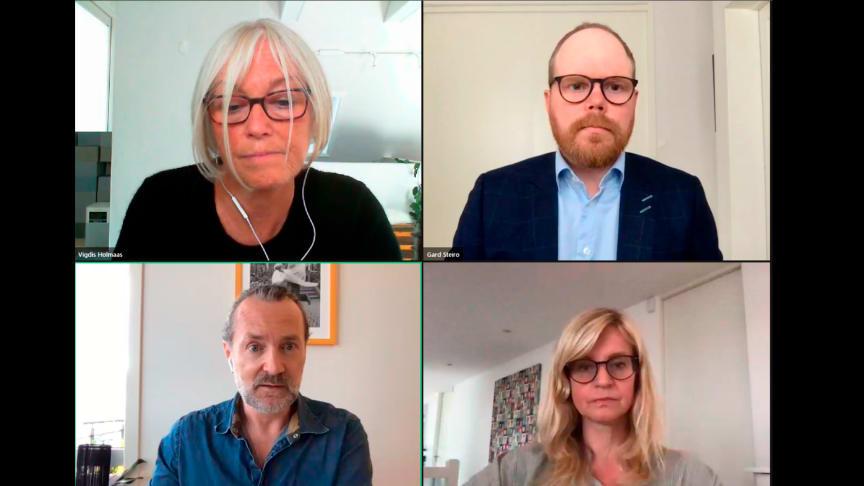 Vigdis Holmaas (øverst t.v.) har skrevet boken Konstruktiv journalistikk. 8. juni møtte hun Gard Steiro (VG) og Karianne Solbrække (TV2) til en samtale om konstruktiv journalistikk i koronakrisens tid. Samtaleleder Mikal Olsen Lærøen.