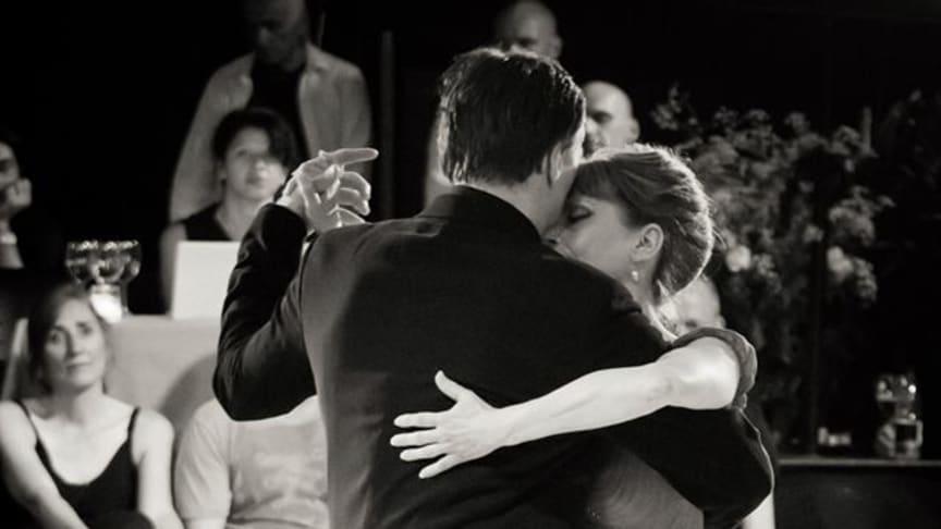Tangoinstruktør Gunner Svendsen med dansepartner. Foto: Lars Kårholm