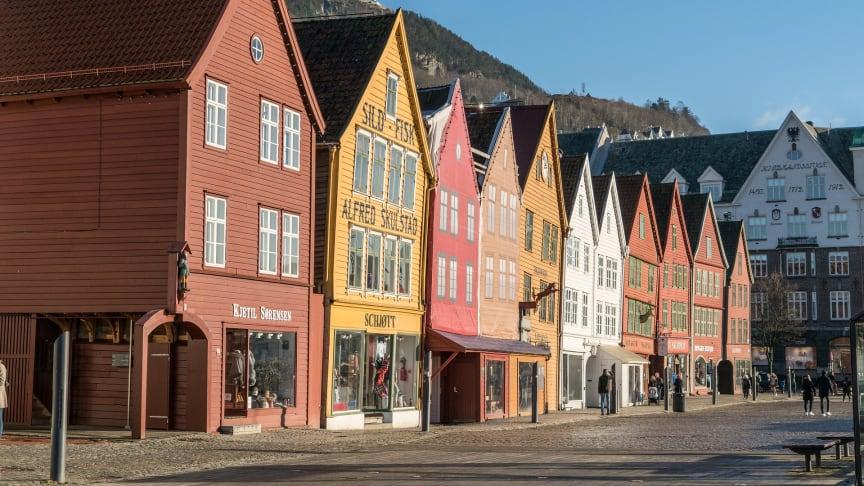 Bergen - foto Pixabay. Betalingsevnen til Hordalendinger er svekket det siste året. Hordaland har den tredje største økningen på landsbasis når det gjelder antall personer med betalingsanmerkning.