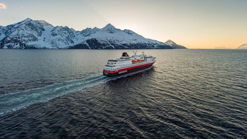©Ørjan Bertelsen/Hurtigruten