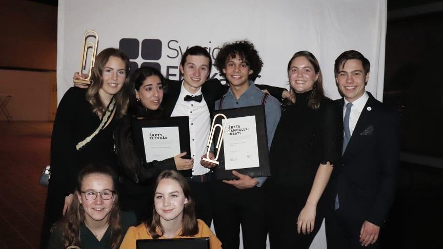 Årets vinnare av Guldgemet tillsammans med presidiet för Sveriges Elevkårers styrelse.