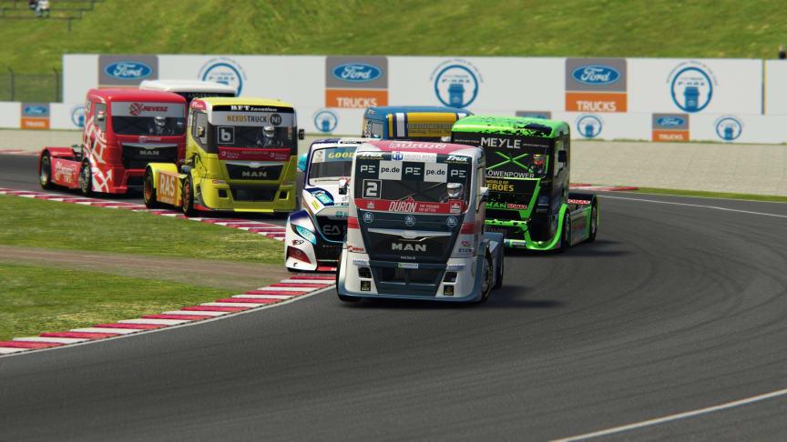 Online Truck Race