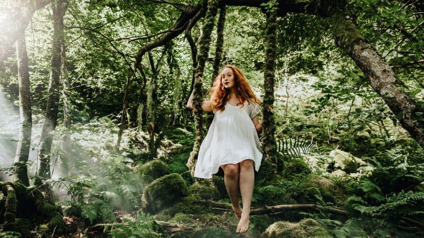 Skogens år på Norrviken. Ett år du tuktat och vilt möts i elegans. Foto: Lena Evertsson