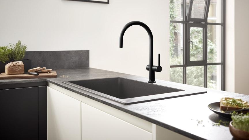 Talis M54 kjøkkenarmatur 210 med stengeventil, matt sort