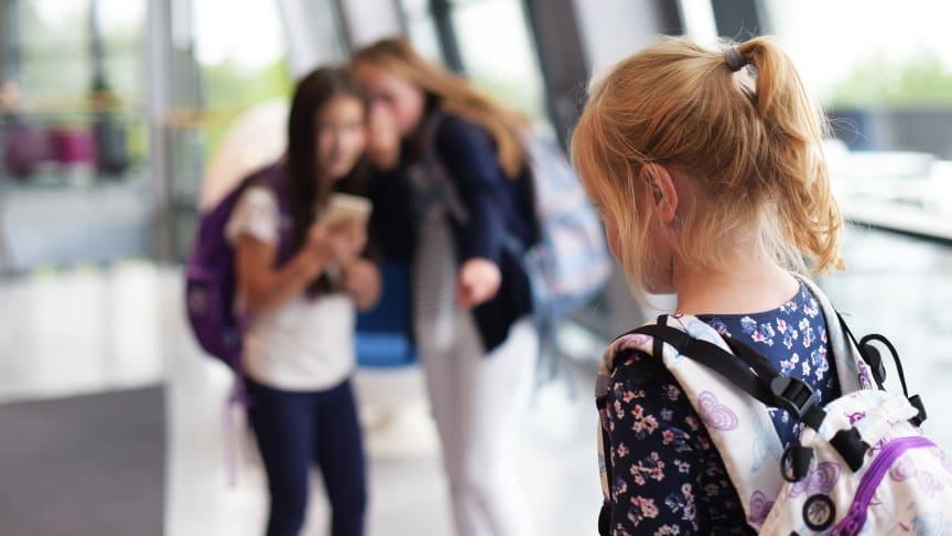 Digital mobbing kan forebygges, skriver Bernt G. Apeland og Petter-Børre Furberg i denne kronikken.