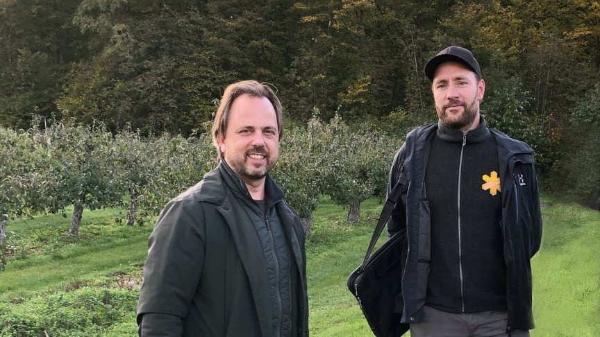 Odlingschef Jan Flemming Jensen, Kiviks Musteri och naturguide Simon Lundin, Naturum Stenshuvud.