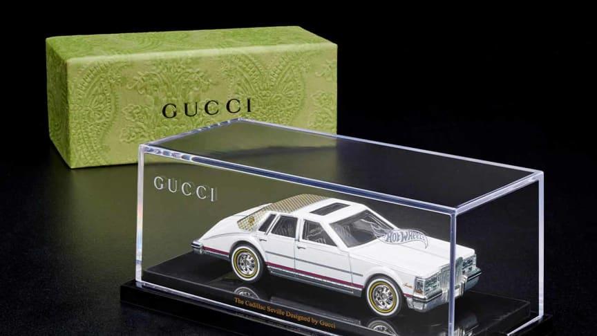 Das seltene Sammlerstück repräsentiert die Vergangenheit und die Zukunft von Gucci und ist ab dem 18. Oktober 2021 bei Mattel Creations erhältlich.
