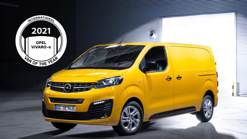 Opel Vivaro-e (på bilden), Citroën ë-Jumpy och Peugeot e-Expert är International Van of the Year 2021.