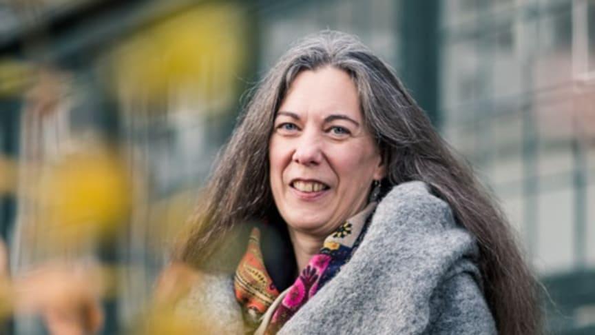 Sofia Kälvemark Sporrong mottagare av Apotekarsocietetens pris för att hedra Rune Lönngrens arbete inom samhällsinriktade frågor.