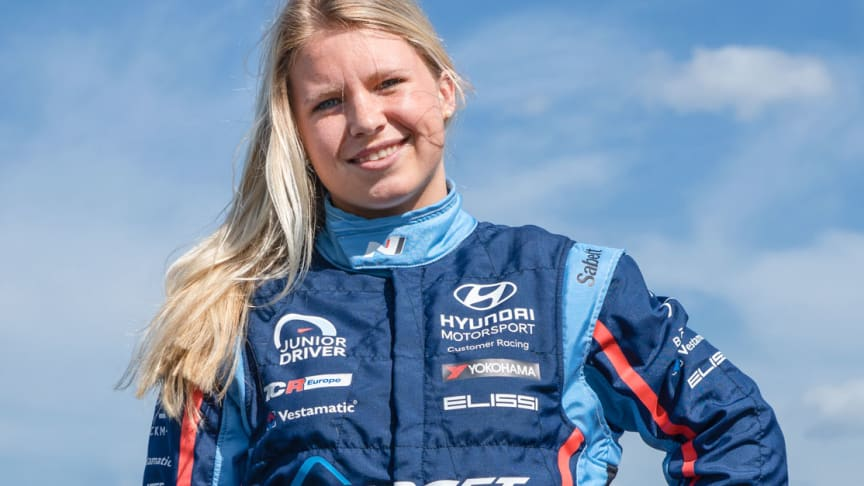 Jessica Bäckman tävlar med team Target Competition under 2019.