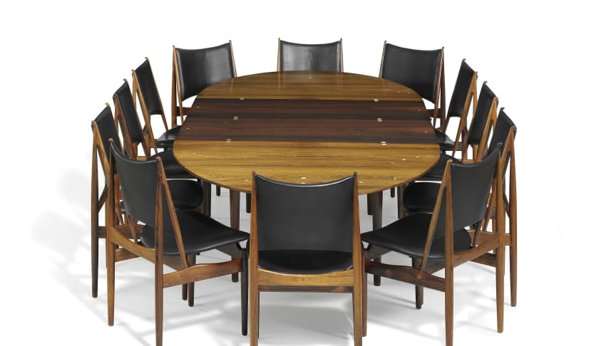 """Finn Juhl: 12 """"Egyptian Chairs"""" and a """"Judas Table"""". Sold for a total hammer price of DKK 1,020,000 (€ 178,000 including buyer's premium)."""