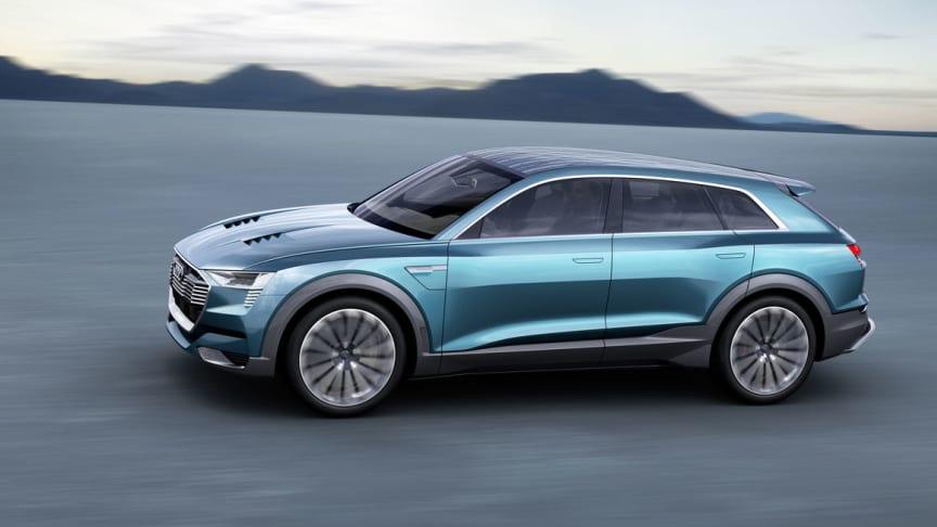 """Audi förväntar sig att var fjärde såld bil skall vara en """"e-tron""""-modell år 2025."""