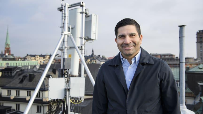 Andres Suazo, nätexpert på Telenor vid en av Telenors 5G-stationer i centrala Stockholm