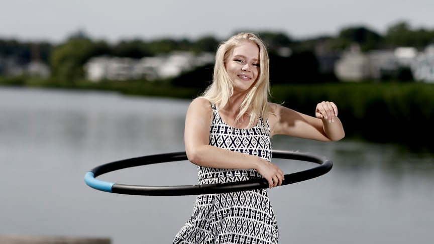 Aktueller Fitness-Trend Hula-Hoop. Foto: SIGNAL IDUNA