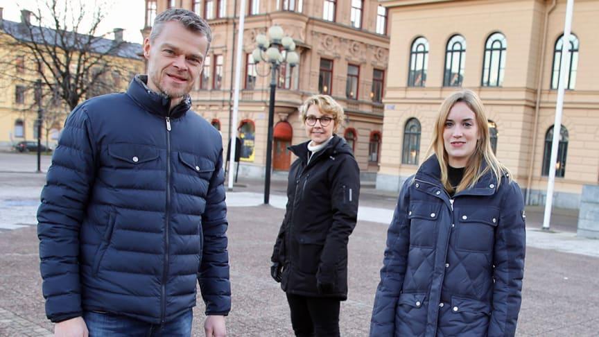 Anders Danielsson, ECP AirTech, och Franziska Marquardt, Näringslivsbolaget i Sundsvall, har varit med i programmet Pure Business Impact och fått verktyg för hållbarhetsarbete. Mona Sundin från BizMaker (i mitten) har varit programansvarig.