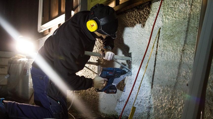 Rekordsalg av varmepumper gir travle tider for de som monterer pumpene. Foto: Norsk Varmepumpeforening.