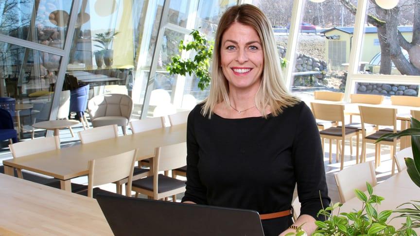 Hanna Reilly jobbar dagligen med frågor kring IT-säkerhet och berättar om fördelarna med att välja en molnbaserad driftlösning.