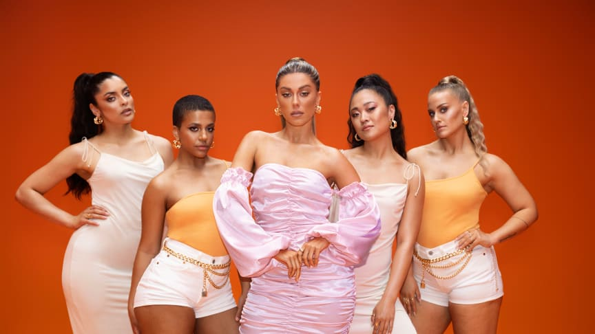 Bianca Ingrosso och danskollektivet The Sugar Collective