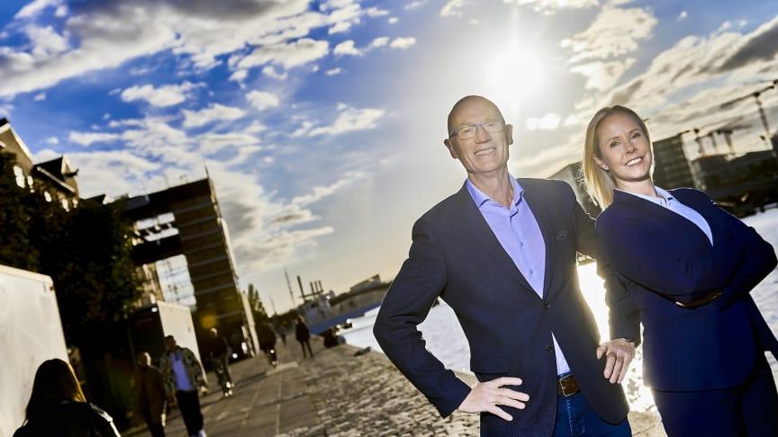 Adm. direktør i Visma DataLøn A/S, Karina Wellendorph, og adm. direktør i ProLøn A/S, Finn Conradsen, danner nyt par i et fælles fremstød, der skal cementere og udbygge de to Visma-ejede løn-brands position på det danske marked.