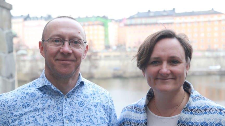 CRM-Konsulterna hamnar i en unik position på marknaden med två MVP i samma bolag. Här är Jonas Rapp tillsammans med Kathrine Hogseth, VD på bolaget.