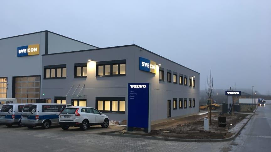 Swecon Baumaschinen GmbH bezieht neu gebauten Standort im schleswig-holsteinischen Siek.