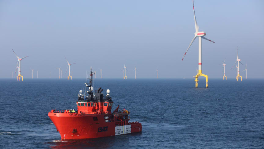 Dedicated cooperation between AtSite A/S and ESVAGT has resulted in a fast and efficient inspection of turbines and foundations on the BARD Offshore 1 wind farm. Photo: Visual Working.