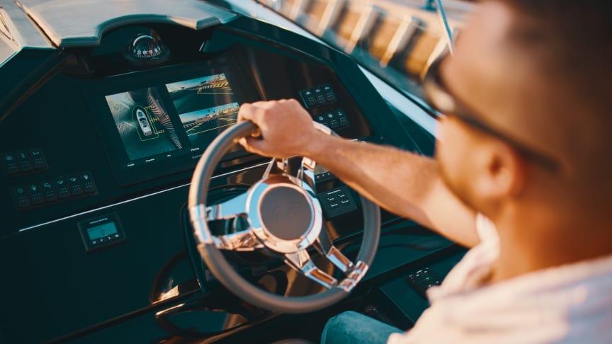 Garmin Surround View on venealan ensimmäinen  älykäs kamerajärjestelmä tarjoten veneen kipparille 360 asteen lintuperspektiivinäkymän
