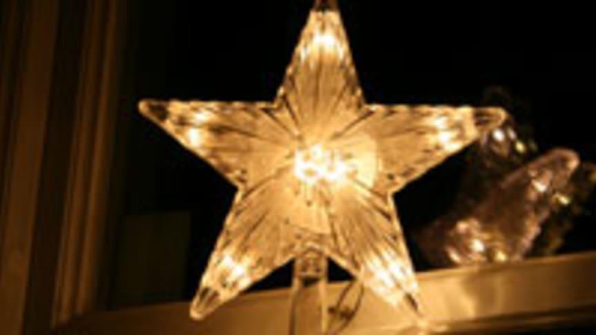 Elpriset ökade med 60 procent över helgen. Spara el och pengar genom smartare julbelysning!