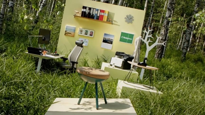 Reklamfilmen som ska visa att kontorsmöbler kan ha fler liv än ett