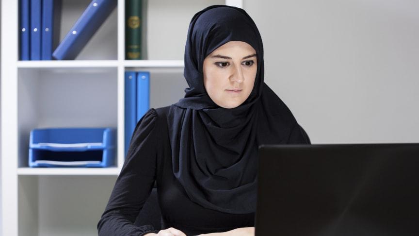 Flygtninge, der tager en erhvervsuddannelse, forbedrer deres senere jobchancer markant.