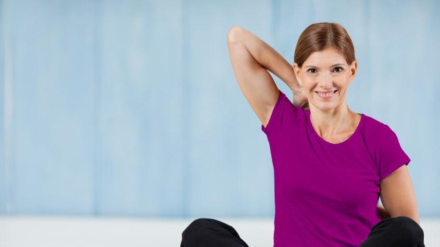 Wer unter Rückenschmerzen, Gelenkbeschwerden oder stumpfen Sportverletzungen leidet, möchte die Schmerzen schnell wieder loswerden. Und das möglichst ohne Nebenwirkungen in Kauf nehmen zu müssen. Die gute Nachricht: Das rezeptfrei in der Apotheke erh