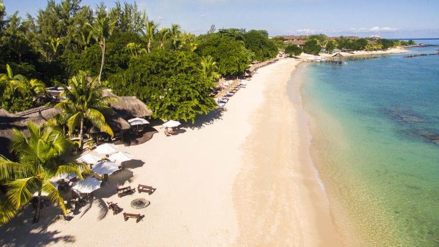 Der Traumstrand am Maritim Resort & Spa Mauritius - ein Sehnsuchtsort, den geimpfte Urlauber nun endlich wieder genießen dürfen.