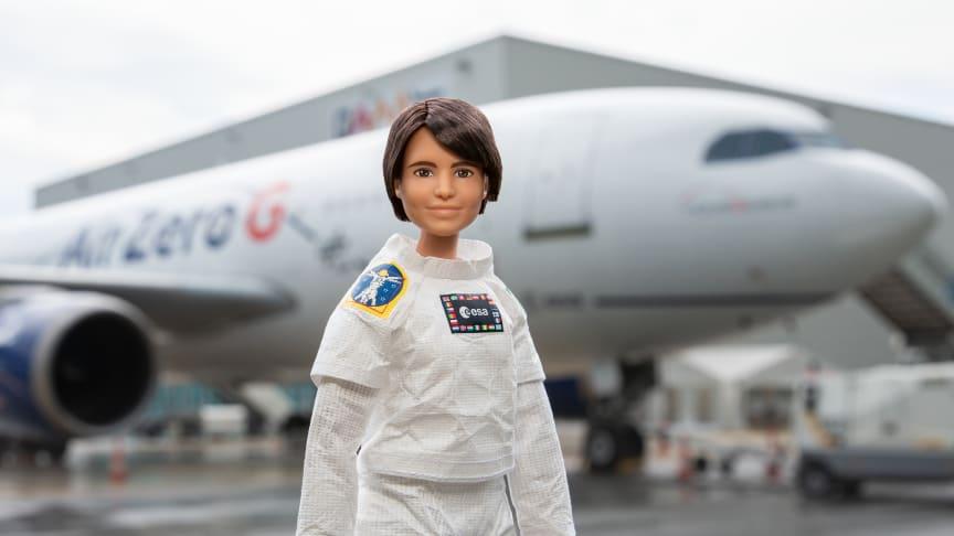 Bei ihrer nächsten Mission wird Samantha Cristoforetti ihre Barbie Puppe mit ins All nehmen.