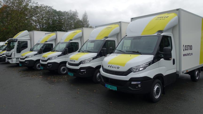 IVECO har nylig levert ti biler til Norges største bilutleiefirma Hertz. Det er snakk om ni Daily vare- og skapbiler og en 7,5 tonns Eurocargo lastebil.