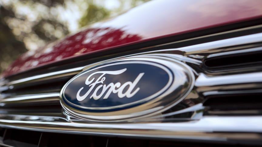 Få nyt Ford-logo til din bil for kun 100 kr.