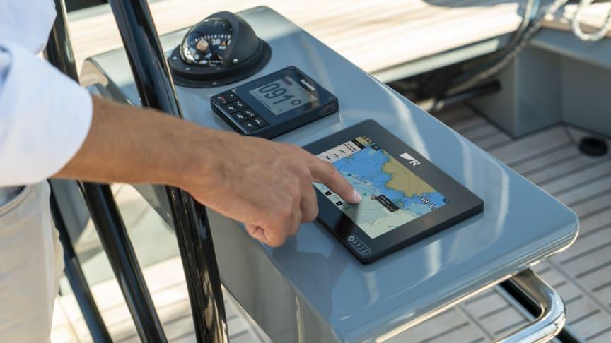 Axiom+ bietet eine überragende Display-Ablesbarkeit.und eine gesteigerte Performance. Die neuen Raymarine LightHouse Seekarten bringen mehr Klarheit und Kontrolle auf See.