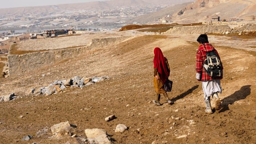 Rädda Barnen återupptar arbetet för barn i Afghanistan
