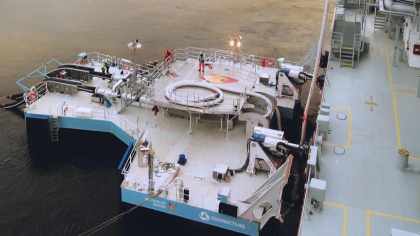MoorMaster units - the world's first EX-certified automated mooring technology - hold the UTS in place.