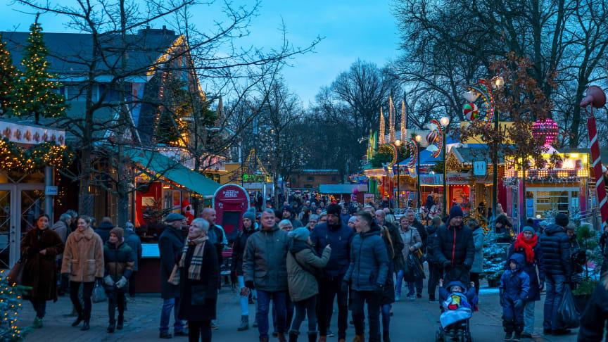 Julemarked og julestemning i verdens ældste forlystelsespark.