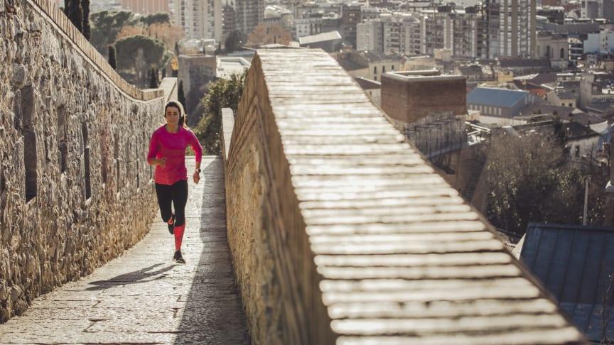 Die neue Notruffunktion und die Unfallerkennung in den Forerunner-Uhren hilft, wenn der Kreislauf beim Sport versagt.